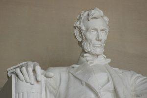 statue-197446_960_720